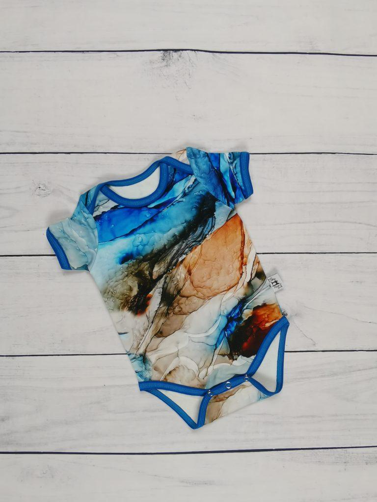 Kék márványos
